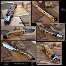 Photo: Personnalisations en marquèterie de bois précieux, cornes, résines et aluminium du couteau pliant de poche de la célèbre marque Savoyarde Opinel.