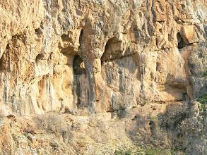 Photo: Les grottes.
