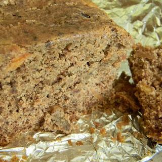 Gluten Free & Vegan Applesauce Cake.