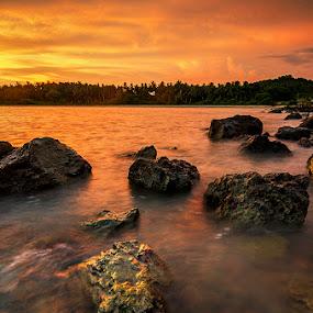 Orangee Stoned II  by Najmi Rooslan - Landscapes Sunsets & Sunrises ( beaches, uwa, sunset, malacca, melaka, malaysia, nikon, tokina, golden hour )