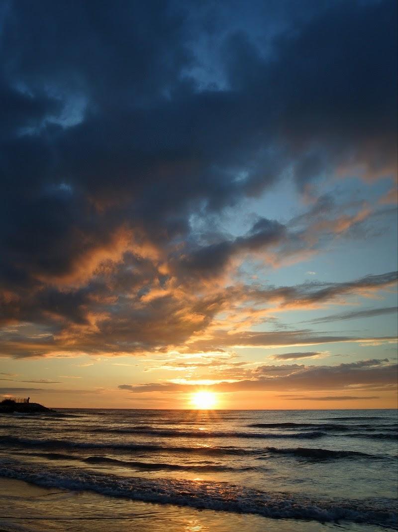 La cura per tutto: l'acqua salata. Il sudore, le lacrime e il mare. di mattia_rinaldi