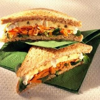 Käse-Sandwich mit Möhrenraspel (Diabetiker)