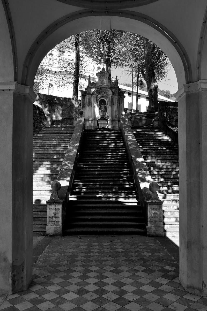 antiche scale del santuario di mtan73