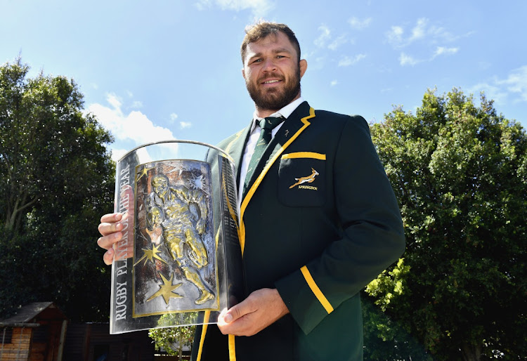 Duane Vermeulen holds the SA Rugby player of the year trophy in Cape Town, March 4 2021. Picture: ASHLEY VLOTMAN/GALLO IMAGES