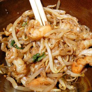 """Shrimp and """"Noodles"""" (Bean Sprout) Stir fry."""