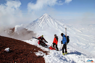 Photo: A group is preparing for skiing down