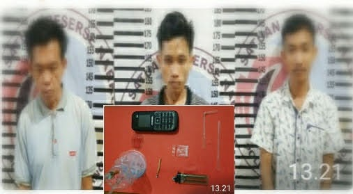 Polisi Gerebek Rumah Tempat Transaksi Narkotika di Kampung Dwi Warga Tunggal Jaya