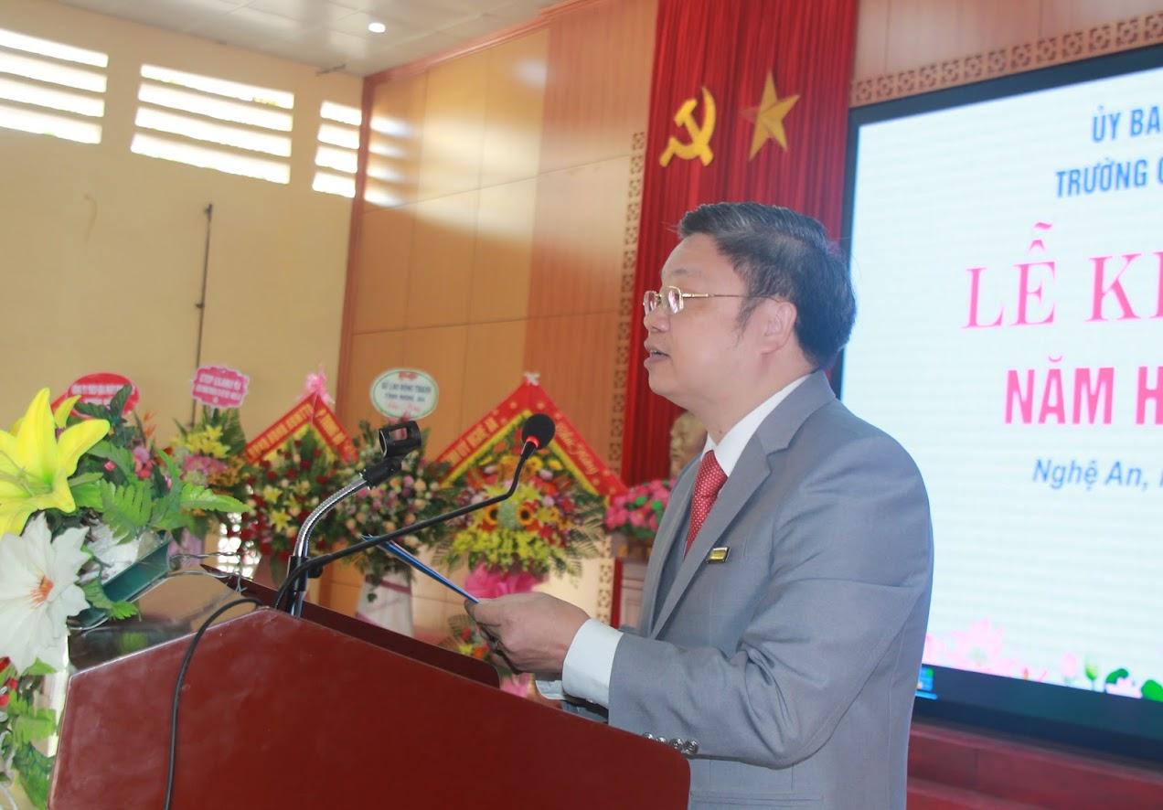 PGS, Tiến sỹ Bùi Văn Dũng – Hiệu trưởng Trường Cao đẳng Việt - Đức Nghệ An phát biểu