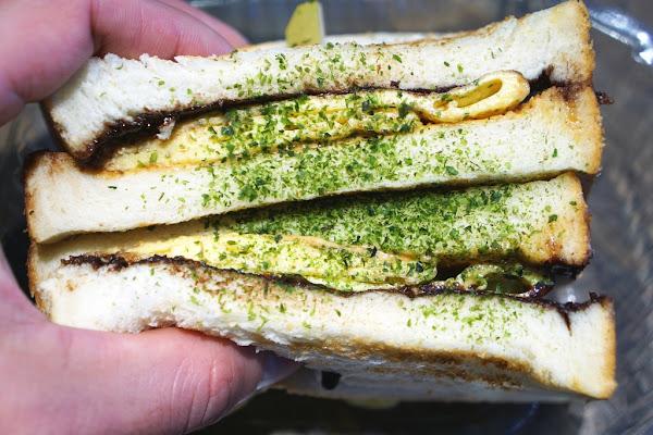 再訪好吃的碳烤吐司 現在也有漢堡可以選擇了哦-上山採覓@捷運中山國中站@五常街