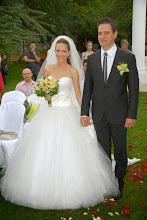 Photo: Прекрасните влюбени младоженци в ресторант градината на Вила Марциана до Варна.