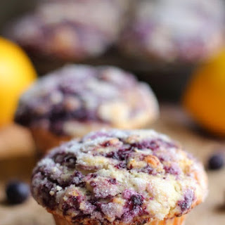 THE BEST BLUEBERRY MUFFINS.