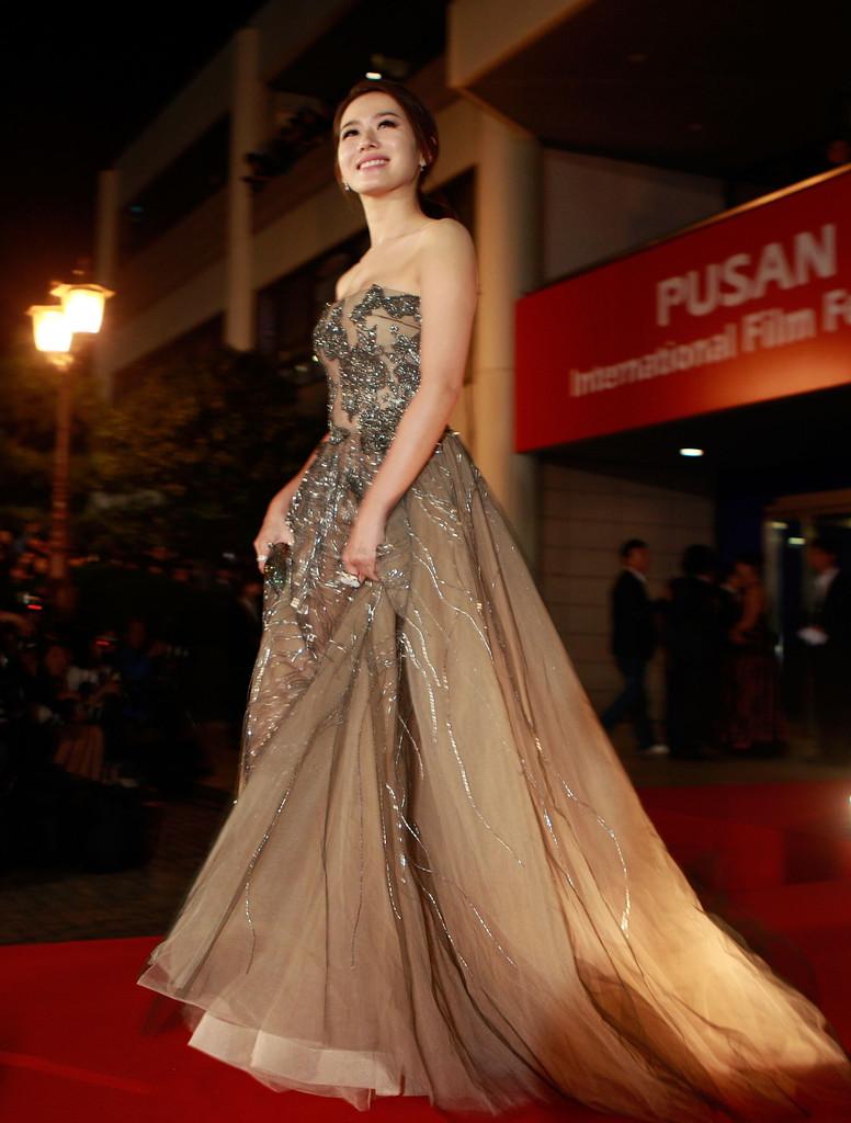 sonyejin gown 24