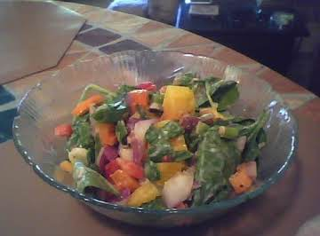 Peppery Onion Spinach Salad/Pepper Basil Dressing