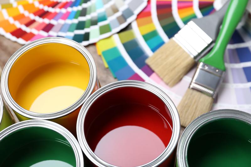 Farby strukturalne świetnie sprawdzają się w mieszkaniach w różnych stylach