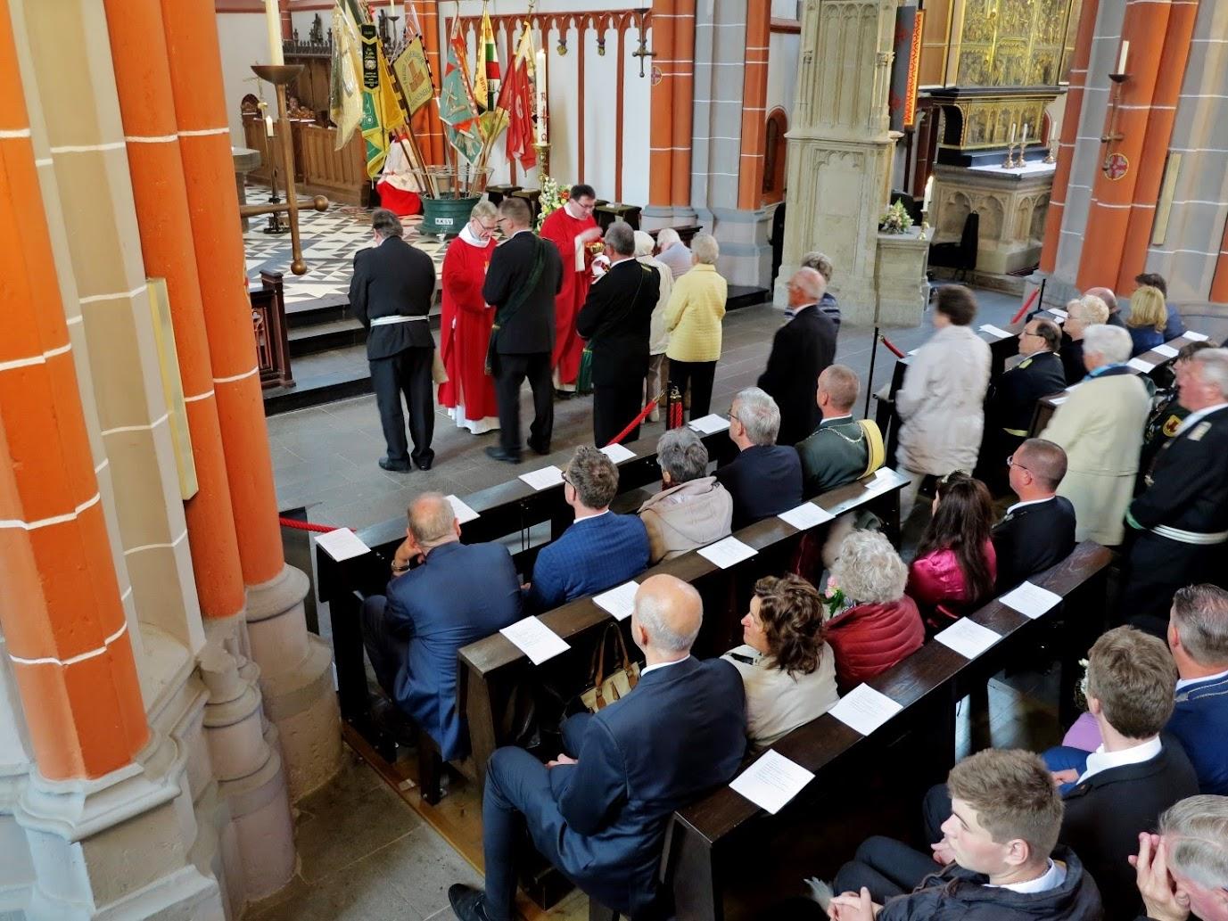 De Kerkmis in de Stifts-und Wallfahrtskiche St Peter und Paul.
