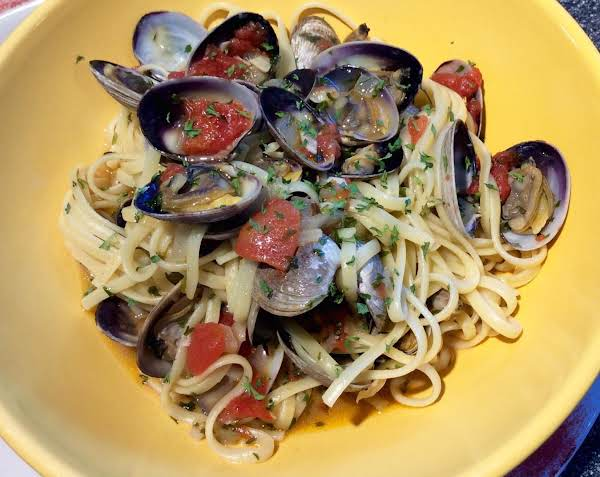 Clam Pasta With Garlic & White Wine - Australia Recipe