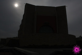 Photo: ¿Noche o día? Medusa lo sabía