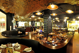 Restaurants and cafes in Andheri West