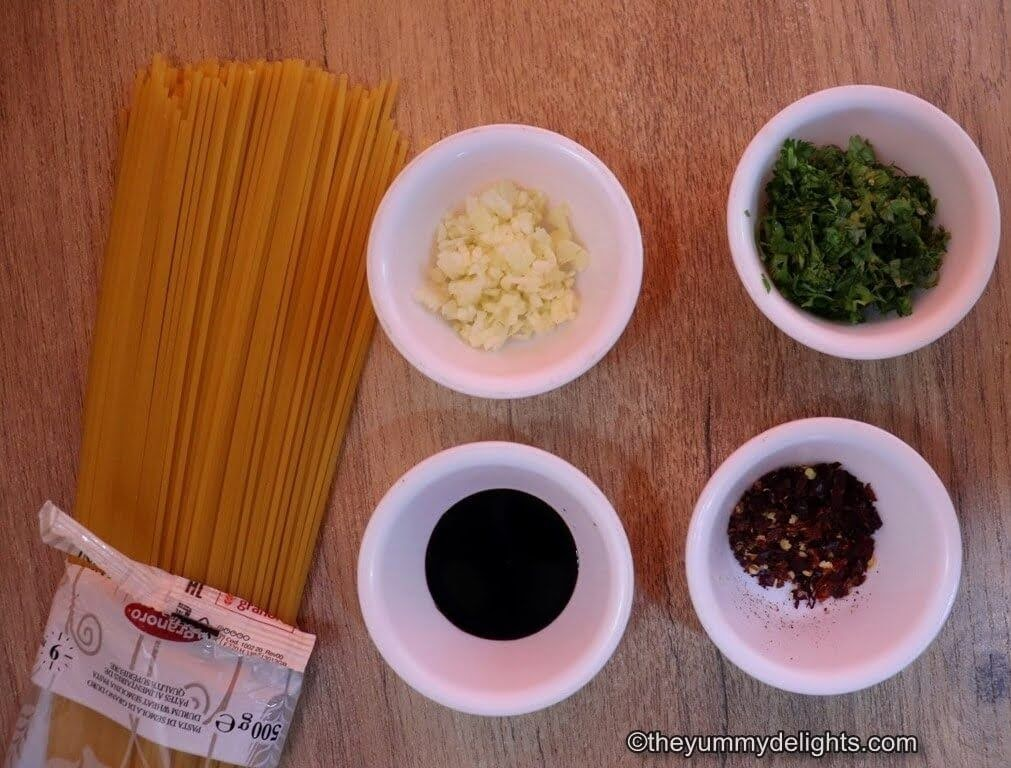 ingredients to make chili oil garlic noodles.