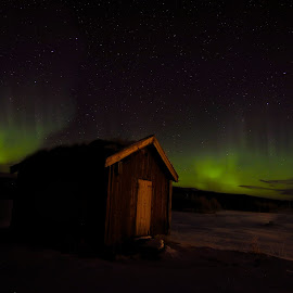 Northern lights by Roald Heirsaunet - Landscapes Starscapes
