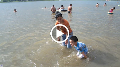 Video: baby son, warrenzh 朱楚甲, played in River Nen on other suburb of Qiqihar after his dad benzrad,朱子卓, returned from his 2nd hometown journey. his mom, emakingir, caring his play in the river.