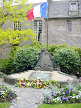 Photo: The town's war memorial, from 1920, is considered one of the most beautiful in France.
