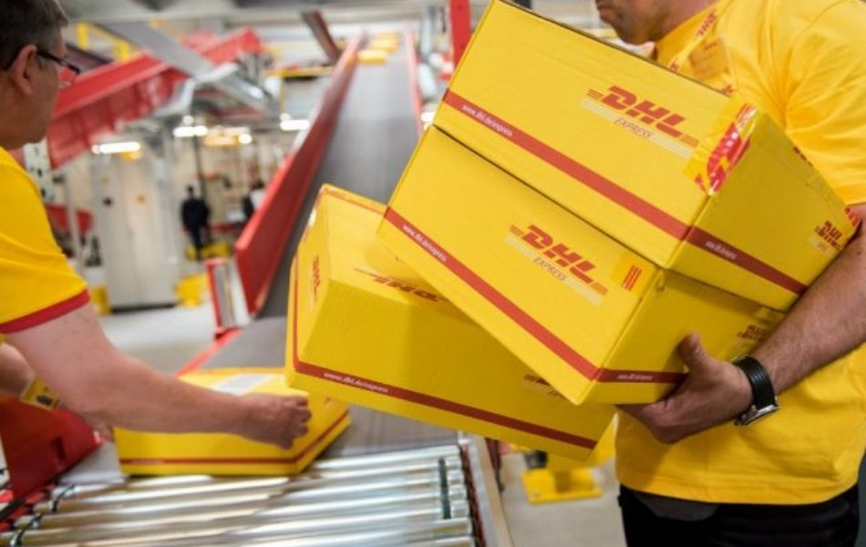 Công ty vận chuyển DHL