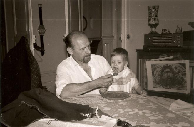 Олег Штуль разом з онуком Олексою, 1972 рік
