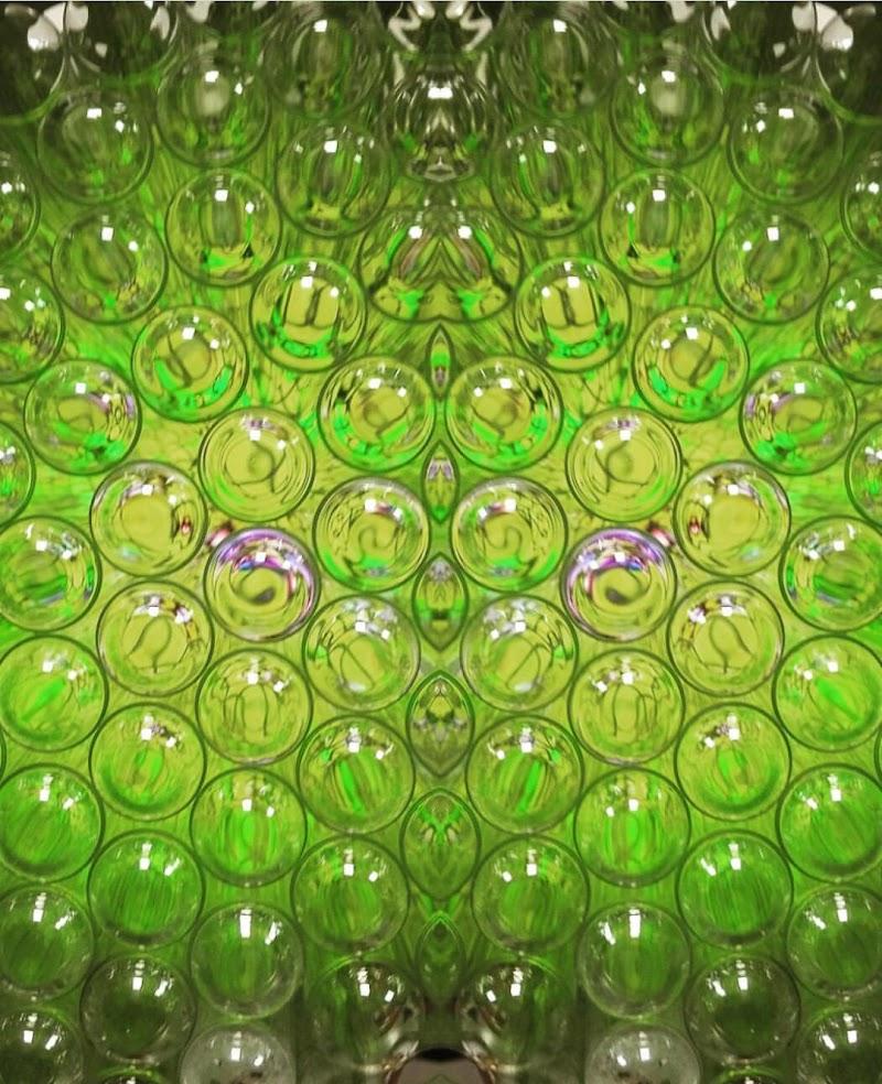 Glass tube di Beyond