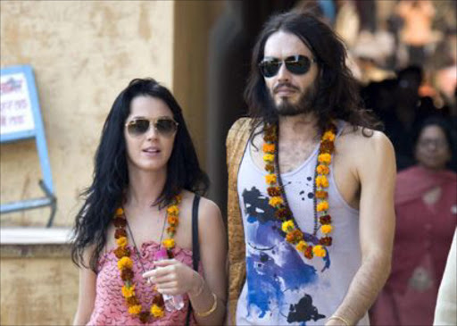 They Are Planning To Take The Entire Wedding Party For A Tiger Safari Before Ceremony Katy Perry And Rus Brand