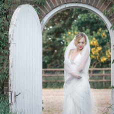 Wedding photographer Natasha Uolton (NataWa). Photo of 10.06.2015