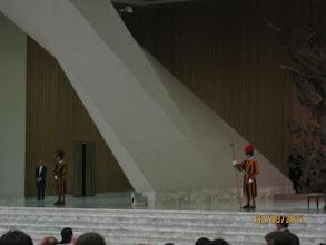 Photo: охранники Папы
