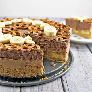 Chocolate Peanut Butter Banana Pretzel Pie