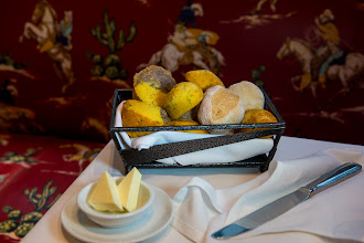 Photo: Blue corn, yellow corn and jalapeño muffins, cornmeal-crusted rolls and sweet potato herb bread at Mesa Grill.