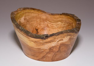 "Photo: Stan Sherman 4""x5"" bark-edge bowl [crabapple]"