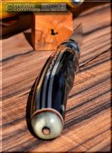 Photo: Opinel custom n°078 Cornes, aluminium. http://opinel-passions-bois.blogspot.fr/ Personnalisations en marquèterie de bois précieux, cornes, résines et aluminium du couteau pliant de poche de la célèbre marque Savoyarde Opinel.
