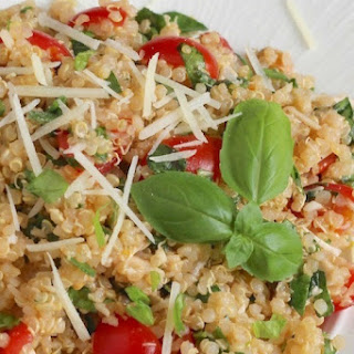 Easy, Healthy Chicken Salad with Quinoa, Tomatoes, Lemon and Basil.