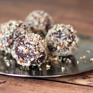 Easy Chocolate Bourbon Truffles.