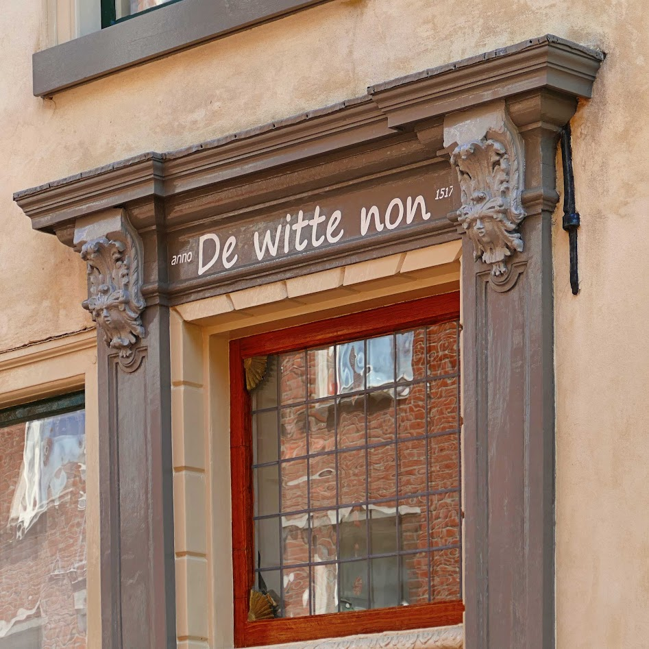 Aangeboden door: Stichting Microtoerisme InZicht Fotoblog Leeuwarden witte non