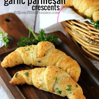 Quick Garlic Parmesan Crescent Rolls