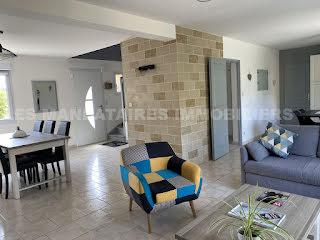 Maison Trelaze (49800)