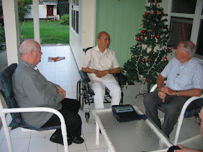 Photo: Op bezoek bij Mgr. Zichem, voorganger van Mgr. De Bekker