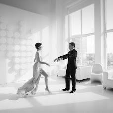 Wedding photographer Anton Gunchev (FotoGroup). Photo of 11.04.2013