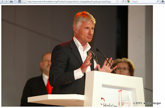 Photo: Holcim Award Gold 2006 an Christoph Ingenhoven (für seinen Entwurf des Beton-Bahnhofs S21 und das zugehörige, 60 km lange Beton-Tunnelsystem)