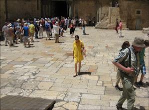 Photo: Иерусалим. Храм Гроба Господня. Паломница из Минска.