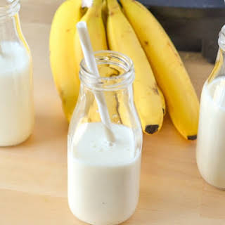 Creamy Banana Vanilla Yogurt Smoothie.
