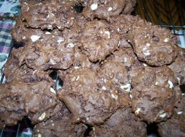 ''cin's Chocolate Devils'' Crème De Menthe-white Chocolate`n Coconut Swirls Recipe