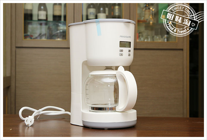 Frigidaire雙溫酒櫃智慧咖啡機2