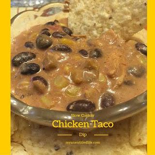 Slow Cooker chicken taco dip.