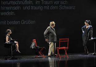 Photo: WIEN/ Kammerspiele: CHUZPE von Lily Brett. Premiere am 22.11.2012. Inszenierung: Dieter Berner. Sandra Cervik, Otto Schenk, Daniela Golpashin. Foto: Barbara Zeininger.